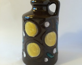 Strehla vase / East Germany / German pottery / ceramic vase /yellow dots / 70s