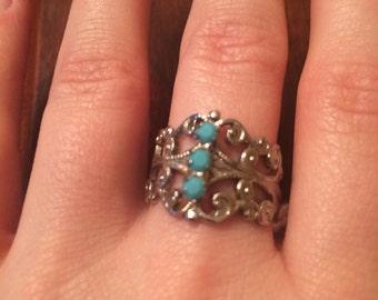 Vintage filigree turquoise rhinstone ring