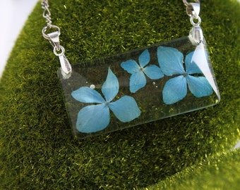 Azure hydrangea Pendant, Resin Pendant, Real Flower Necklace, Resin Flower, Floral Necklace, Dried Hydrangea, Nature Jewelry, Gifts for her