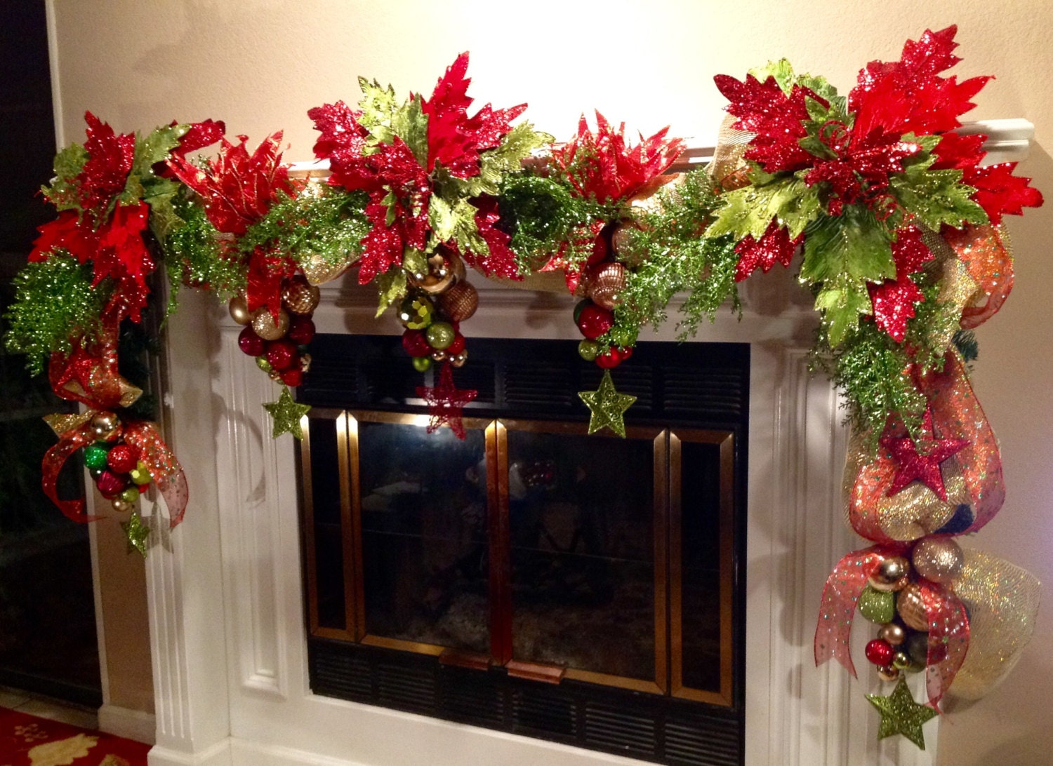 1000 images about christmas other on pinterest for Christmas garland on fireplace