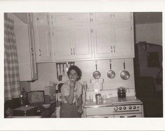 Cupcakes in the Kitchen - Vintage Photography c 1950s