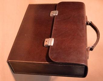 Malette flange leather