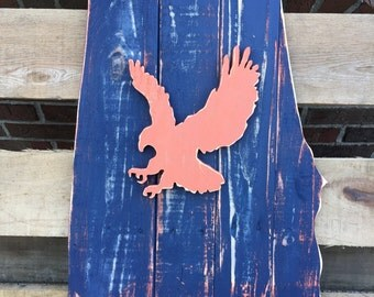 State of Alabama wood pallet sign, Auburn blue laced with orange, War Eagle in the center.