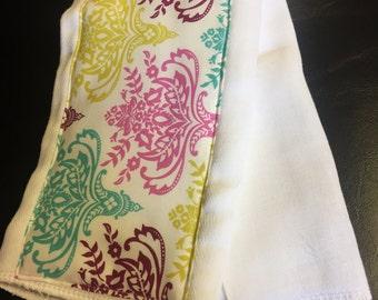 Scroll print burp cloth