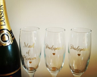 SALE - Champagne flute for bridal party gift, bridesmaid, bride, maid of honour, mother of the bride, mother of the groom, wedding toast,