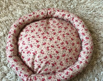 Round cushion for small dog or cat