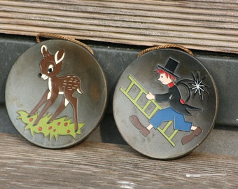 Wall plate deer and sweep mojos 50s small plate deer and chimney sweep
