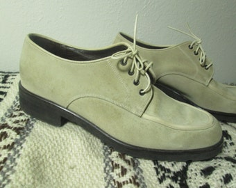 Size 8 Leather Oxfords / Slightly Pointed Toe / Made in Italy