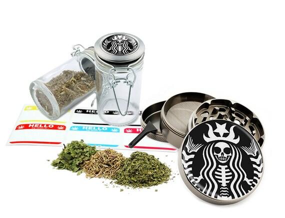 "Star Skull - 2.5"" Zinc Alloy Grinder & 75ml Locking Top Glass Jar Combo Gift Set Item # G50-102615-8"