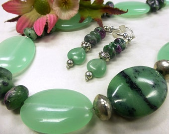 Green Aventurine set with Ruby zoisite