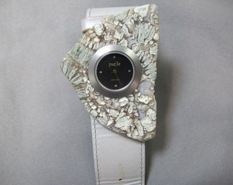 Calcedony Watch