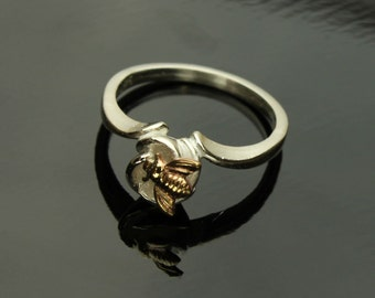 Bee Flower Ring Bumble Bee on a Flower in Sterling Silver Insect, Honey Bee Ring
