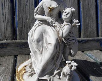 Capoodimonte Nuova Triade Porcelain Figurine by Gianesin.