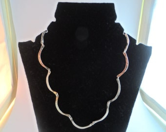 PN7- Hand hammered silver twist necklace