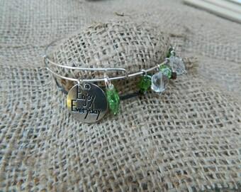 Silver wire bracelet- Enjoy Everyday - Emerald Jewels