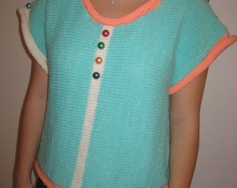 Pretty & young sleeveless shirt