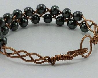 Hemalyke bead bracelet