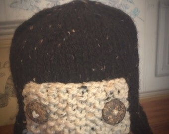 Buttoned knitted pilot hat