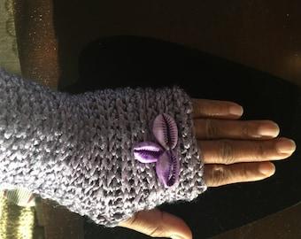 1 pair Crochet Fingerless gloves with cowerie shells