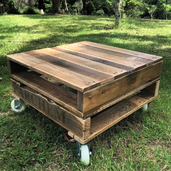 Rustic Wood Pallet Coffee Table: Rustic Pallet Coffee Table On Castors Shipping NOT Included