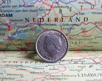 Netherlands quarter coin ring with old Dutch queen Wilhelmina, Juliana or Beatrix