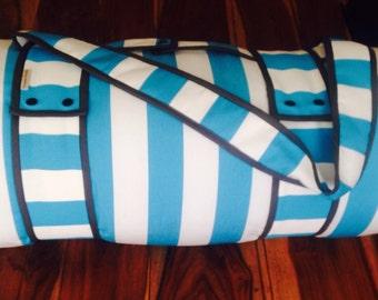 Portable waterproof picnic blanket