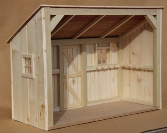 Miniature Display Horse Barn