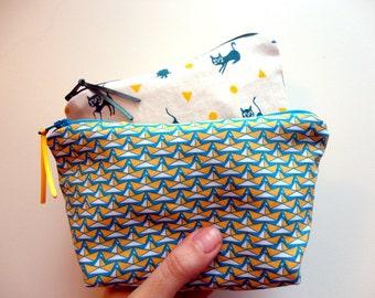 Kit, Kit to make-up, pens, tote bags, storage, travel, Toiletry Kit...