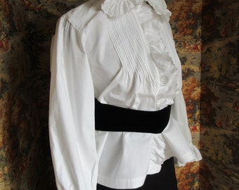 Vintage French Blouse with Ruffled Embroidered Collar