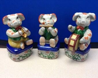 Adorable Three Little Pigs Vintage Ceramic Figurines Set (3 pigs)