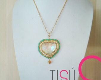 Light green heart medallion