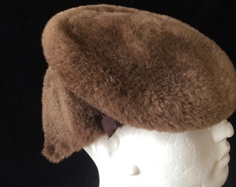 Late 1920's early 30's toscan wool beret