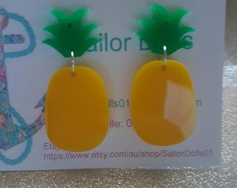 Dangle pineapple earrings