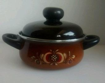 """Vintage 7"""" enamel pan pot 2 handle brown painted folk design w/ lid mid century"""