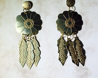 14 Karat Gold Flower and Feathers