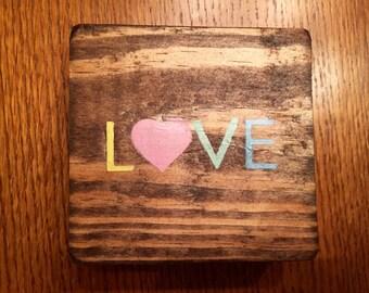 "Valentine's Day ""LOVE"" Wood Block Sign Decoration"