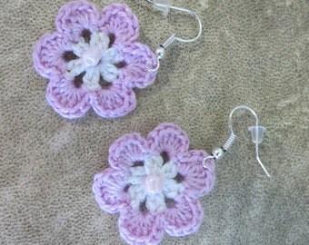 Earrings Flower pink crochet