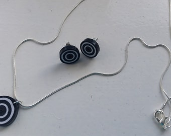 Black- White quilled jewellery