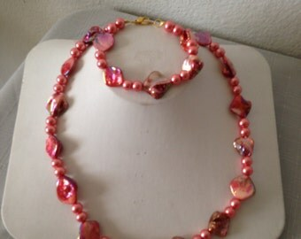 Coral Mother of Pearl Necklace and Bracelet Set
