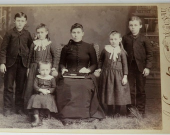 Victorian Family Photo Cabinet Card Mother 5 Children Spider Web Art Back Side