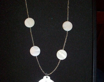 white sea shell leaf pendant necklace