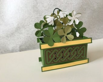 Shamrock fold up greeting card - 3D - Pop Up