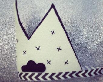 Monochrome party crown