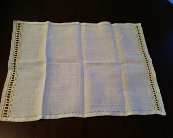 Tray cloth with drawn thread work