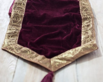 Vintage Tablecloth /Boho Tablecloth/Hippie/Vintage rugs/Claret-gold
