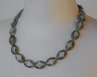 Necklace in grey and beige Bohemian glass
