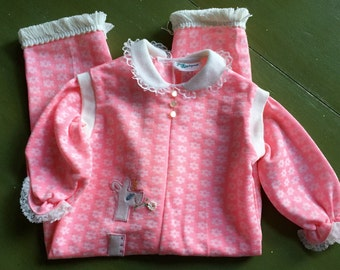 Vintage baby Pink Giraffe Romper with Ruffles, Lace, and pearlized buttons 6-12 mnths