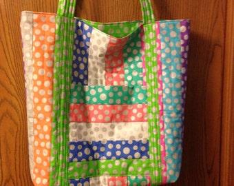 1 New Big Polka Dot Market bag/ Tote Bag / Beach Bag Multi Colors 2 Pockets Machine Quilted Over the Shoulder Handles