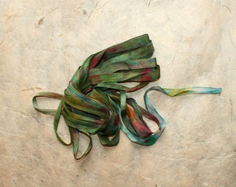 Hand-dyed silk ribbon 'Fata'
