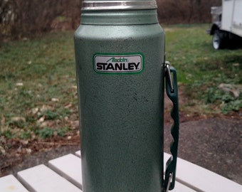 "Vintage Aladdin Stanley 1980's ""Unbreakable Steel"" Quart sized Thermos"